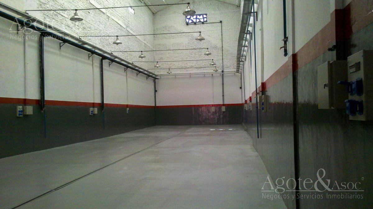 Foto Galpón en Alquiler en  Avellaneda ,  G.B.A. Zona Sur  Estanislao Zavallos al 400