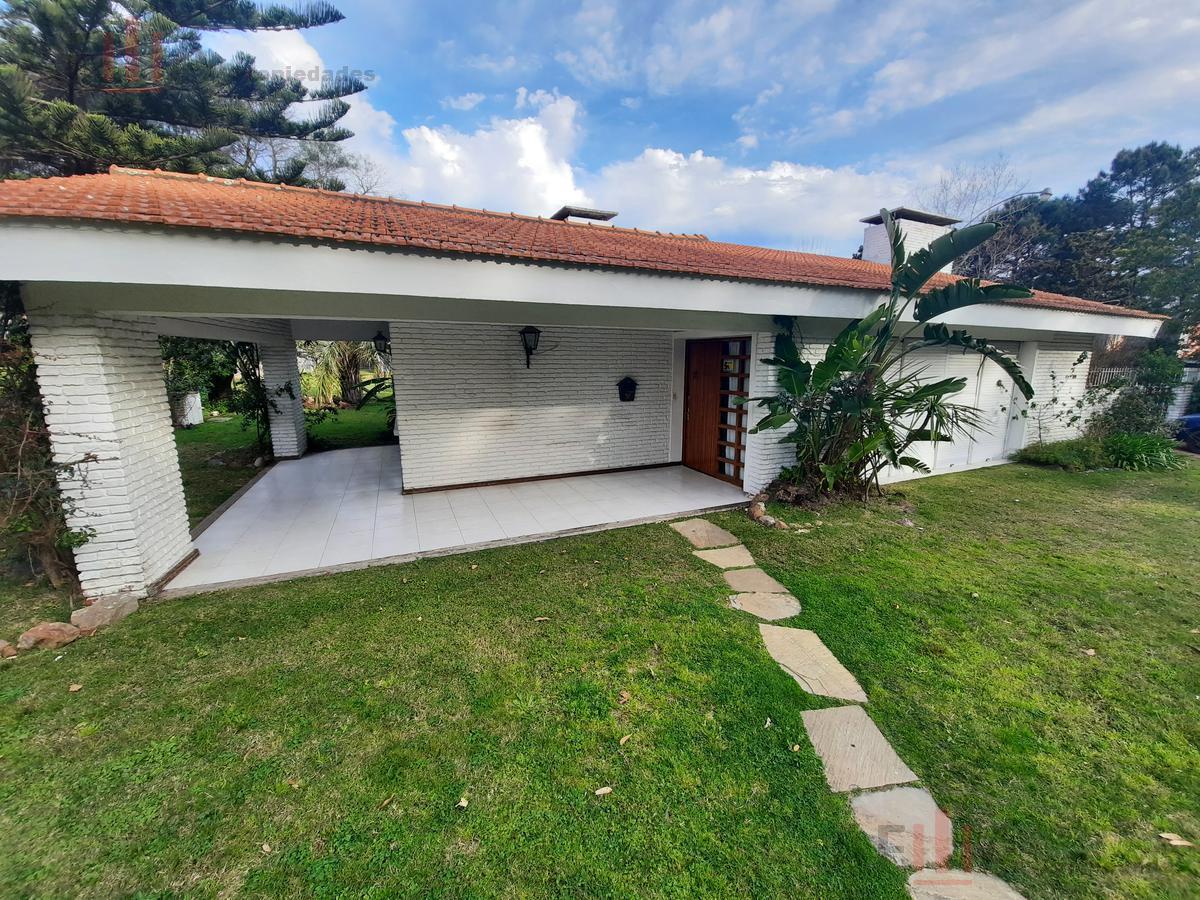 Foto Casa en Alquiler en  Punta del Este ,  Maldonado  Calbildo y Av. Roosevelt