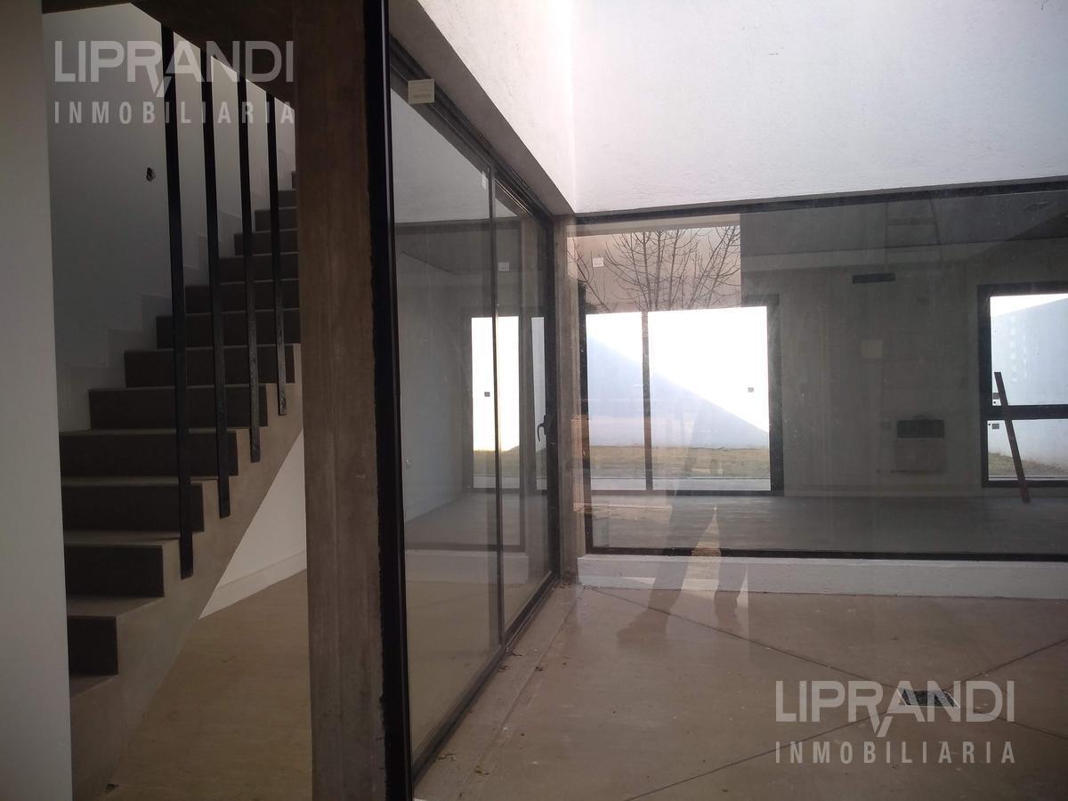 Foto Casa en Venta en  Barrio Privado La Catalina,  Cordoba Capital  Av. BODEROU al 8500