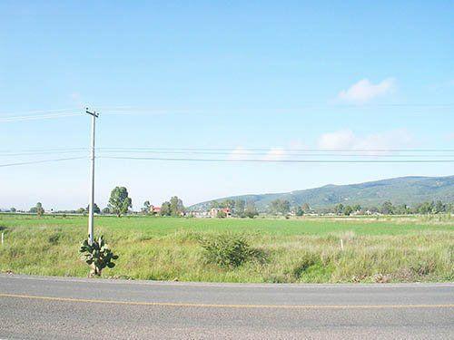 Foto Terreno en Venta en  Congregacion Fuentezuelas,  Tequisquiapan  Terrenos escriturados a pie de carretera.