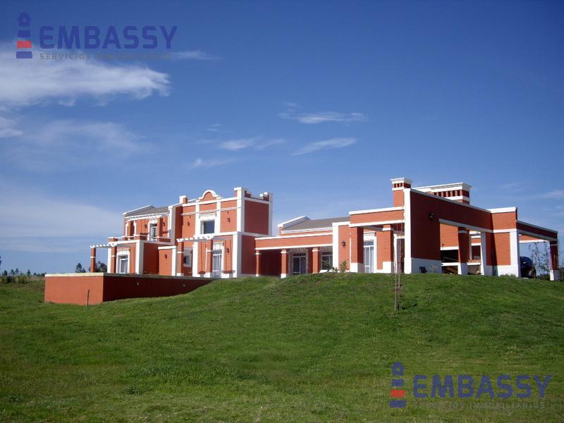 Foto Casa en Venta en  Punta del Este ,  Maldonado  Punta del Este Laguna del Sauce 73000mts2  Quinta