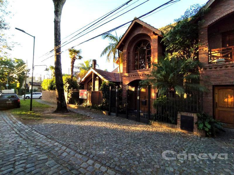 Foto Casa en Venta en  Martinez,  San Isidro  Necochea al 2100