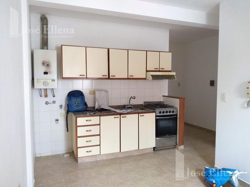 Foto Departamento en Alquiler en  Rosario ,  Santa Fe  SALTA al 3200  1º D