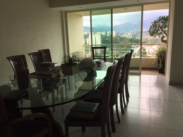 Foto Departamento en Venta en  Lomas Country Club,  Huixquilucan  Residencial Lomas Country Club Excelente Departamento