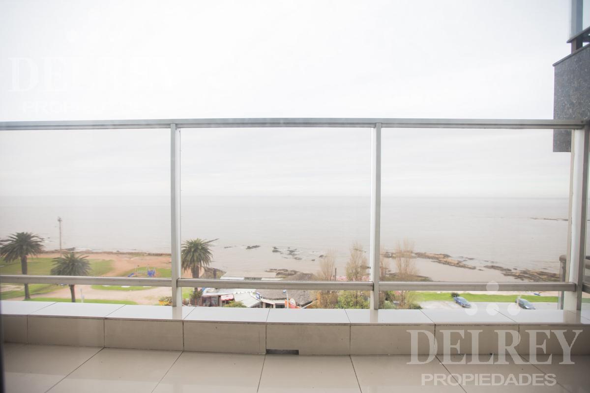Foto Departamento en Venta en  Pocitos ,  Montevideo  Rambla y  21 de Setiembre