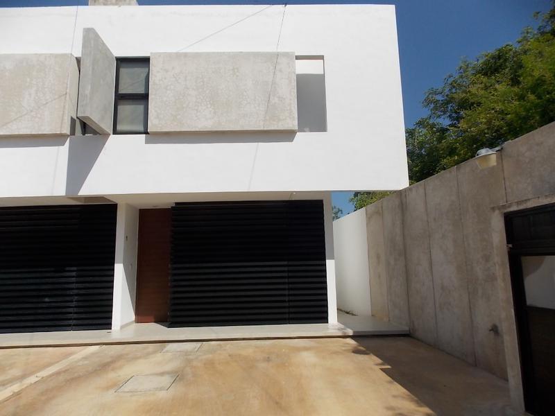 Foto Casa en Renta en  Fraccionamiento Montebello,  Mérida  TownHouses Amuebladas en Renta Montebello, Mérida Yucatán