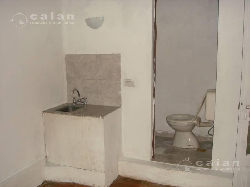 Foto Local en Venta en  Caballito ,  Capital Federal  Valle al 1000