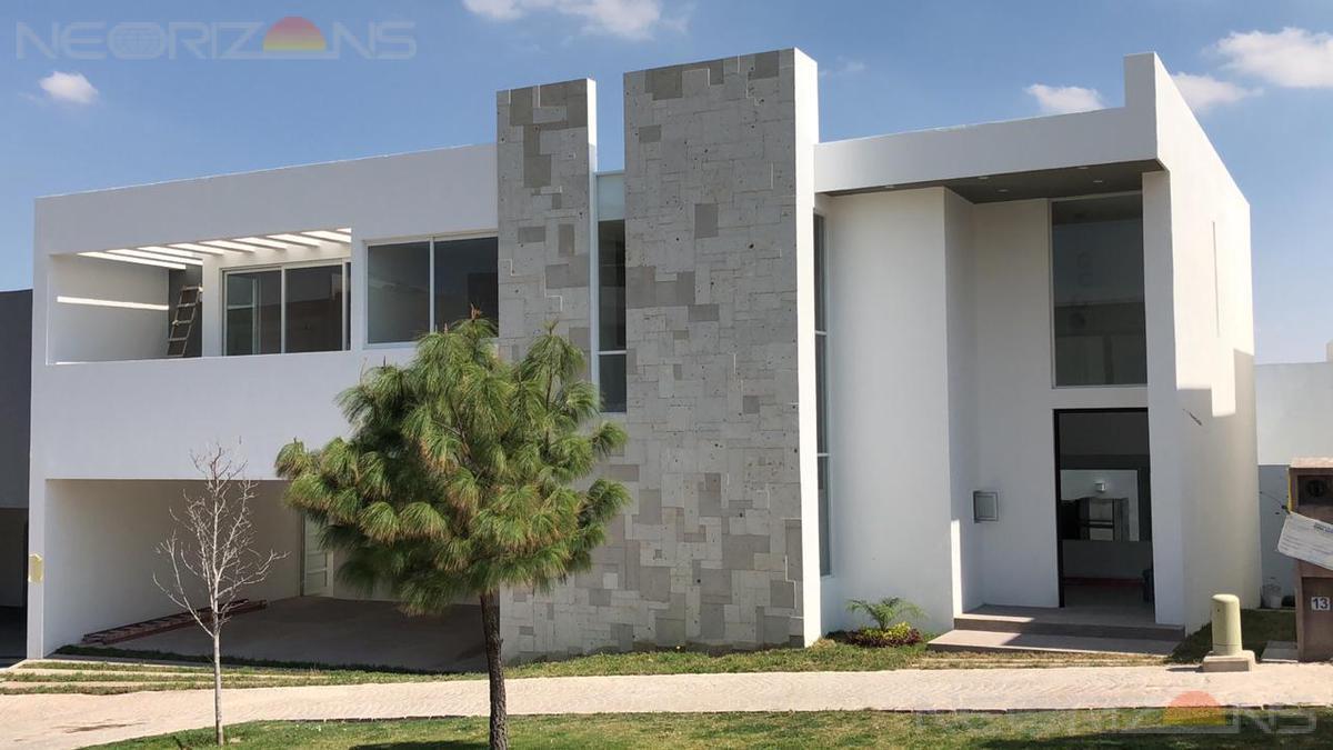 Foto Casa en Renta en  Sierra Azúl,  San Luis Potosí  Moderna Casa Residencial  en Renta en Fracc. Sierra Azul SLP