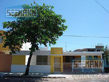Foto Casa en Renta en  Veracruz ,  Veracruz  Calle Chopo # 1040 entre Paseo Floresta Sur y Durazno, Fracc. Floresta, Veracruz, Ver
