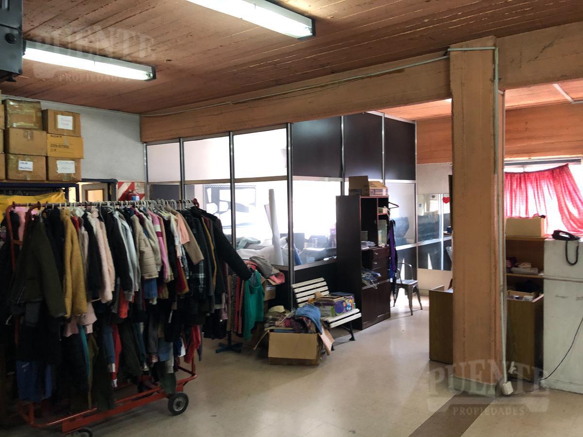 Foto Local en Venta | Alquiler en  Banfield Oeste,  Banfield  French 299