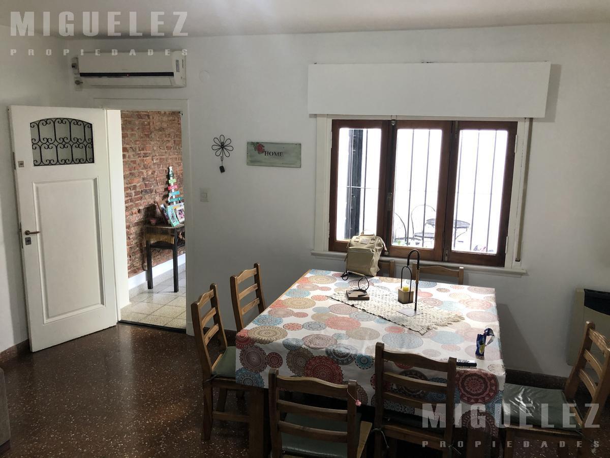 Foto PH en Venta en  Banfield,  Lomas De Zamora  PH EN VENTA BANFIELD, PEÑA 928, DEPTO C