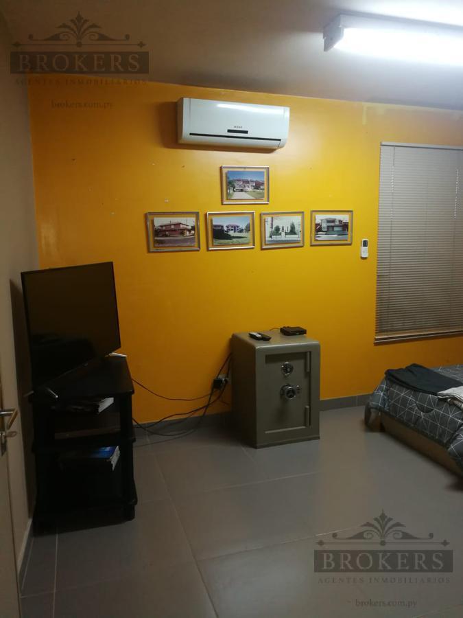 Foto Oficina en Alquiler en  4to. Barrio,  Luque  Alquilo Oficinas,  5 ambientes En Luque, 4to.Barrio