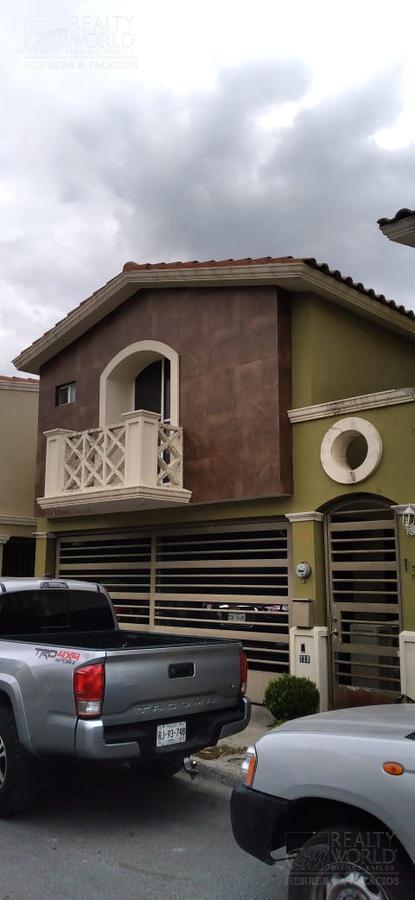 Foto Casa en Venta en  Valle Alto,  Monterrey  Cerrada Alzaga al 100