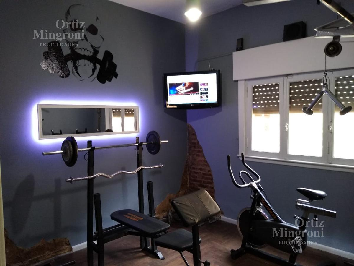 Foto Casa en Venta en  Lomas de Zamora Oeste,  Lomas De Zamora  Gallardon  al 100