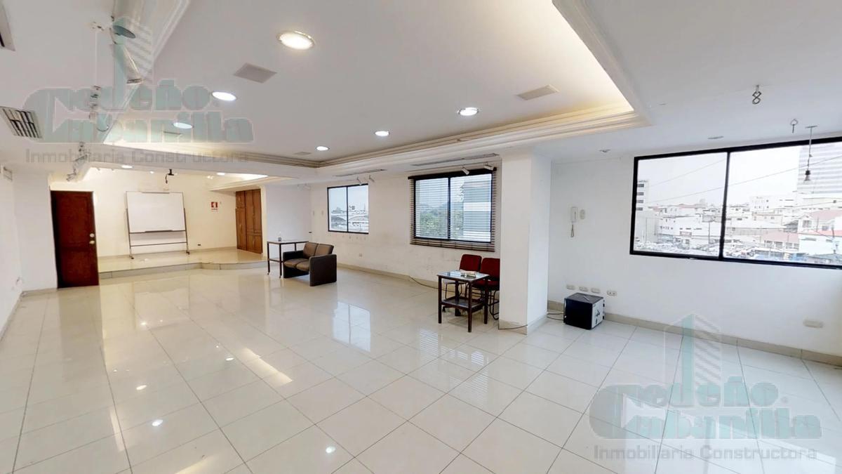 Foto Edificio Comercial en Venta en  Norte de Guayaquil,  Guayaquil  VENTA DE EDIFICIO/CENTRO MEDICO EN KENNEDY NORTE EN AVENIDA PRINCIPAL