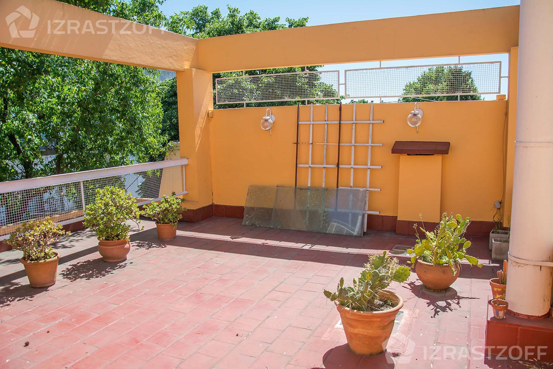 Casa-Venta-La Lucila-Vias/Maipu-Jose Ingenieros al 1400