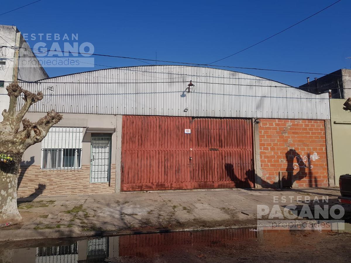 Foto Galpón en Venta en  La Plata,  La Plata  121 e 35 y 36