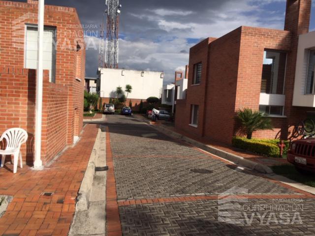 Foto Casa en Venta en  Cumbayá,  Quito  CUMBAYÁ - USFQ, BONITA CASA DE 174,00 M2 EN VENTA