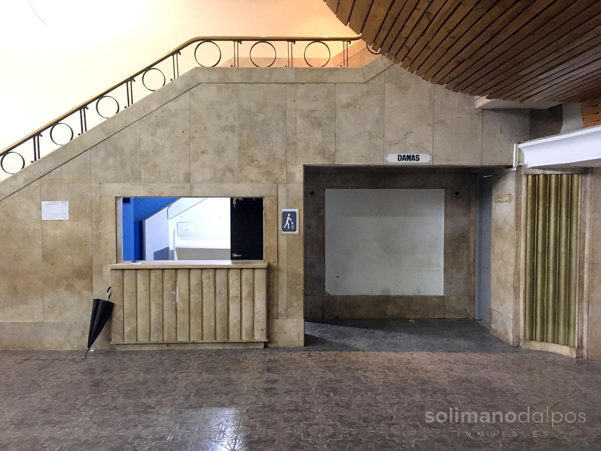 Foto Local en Alquiler en  Constitución ,  Capital Federal  IRIGOYEN, Bernardo de al 1400