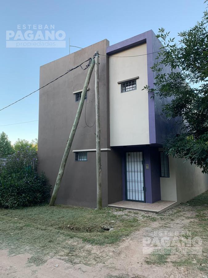 Foto Casa en Alquiler en  Villa Parque Sicardi,  La Plata  637 esquina 11
