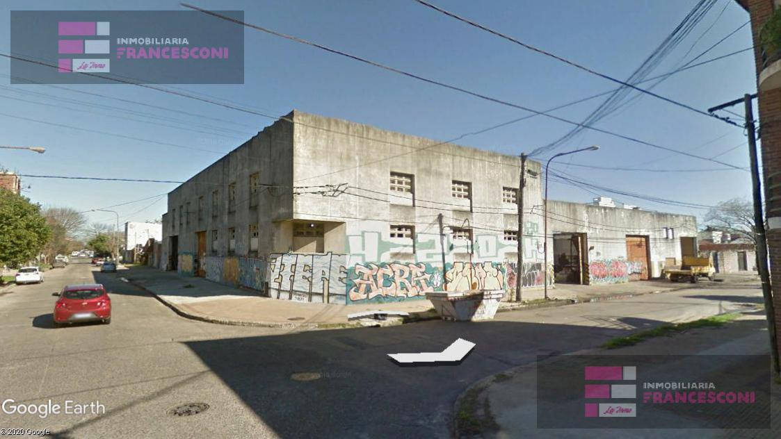 Foto Galpón en Venta en  La Plata ,  G.B.A. Zona Sur  24 esq 64