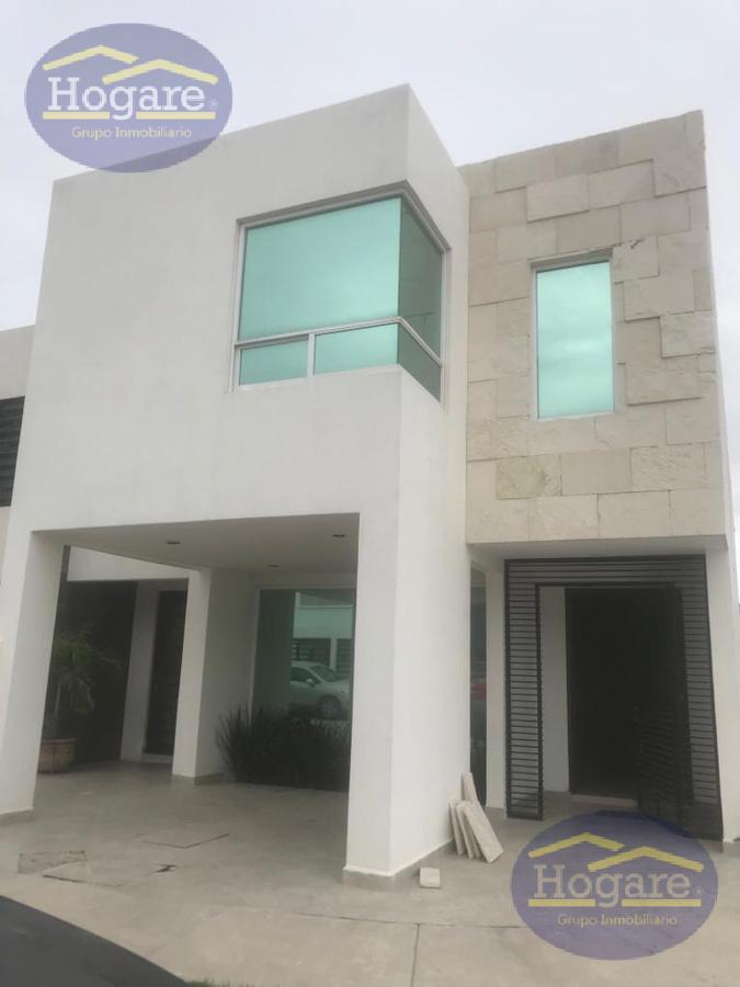 Casa en Renta en Residencial Zafiro, Zona Sur en León Gto.  A una calle del Eje Metropolitano