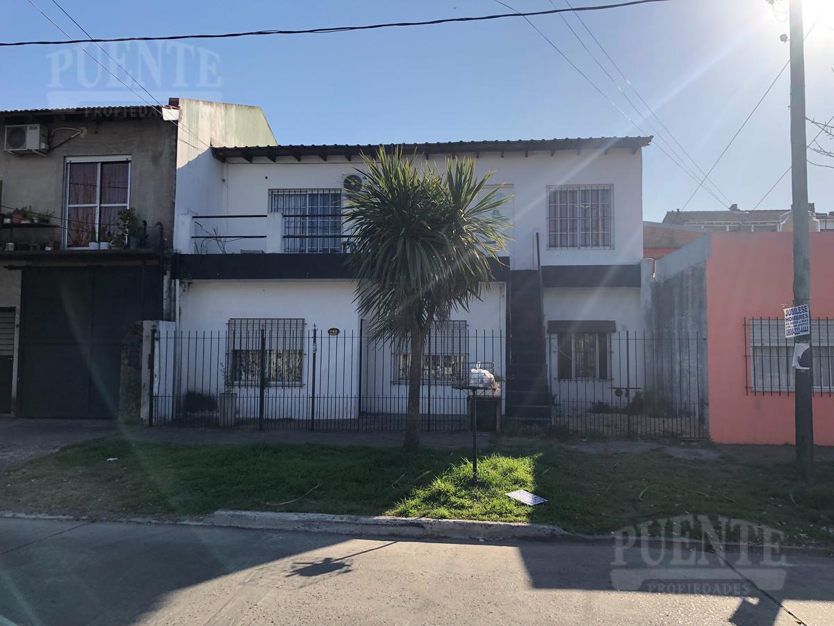 Foto Casa en Venta en  Lomas de Zamora Oeste,  Lomas De Zamora  Sucre 1189