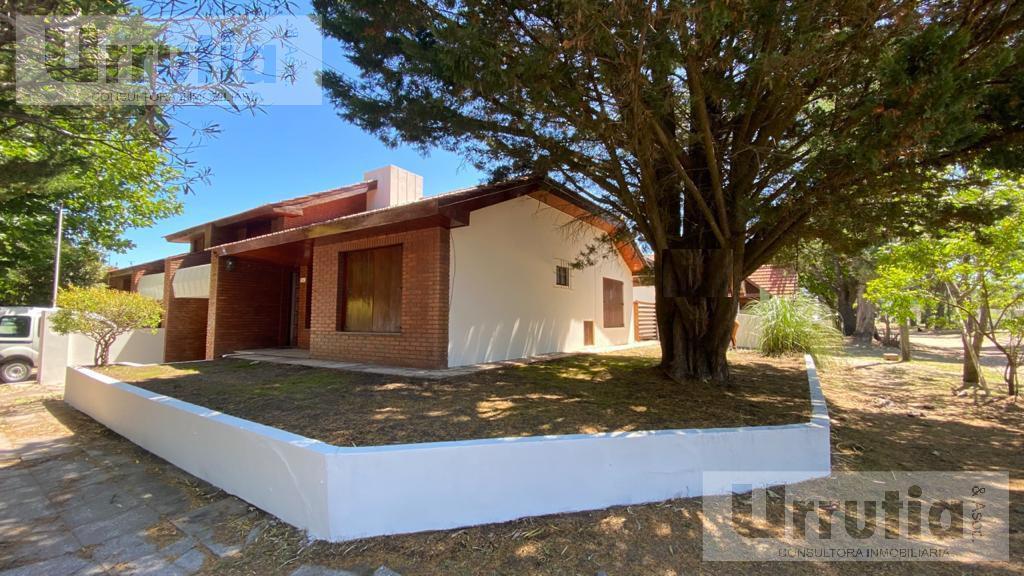 Foto Casa en Venta en  Mar De Ajo ,  Costa Atlantica  Catamarca 398. mar de ajo