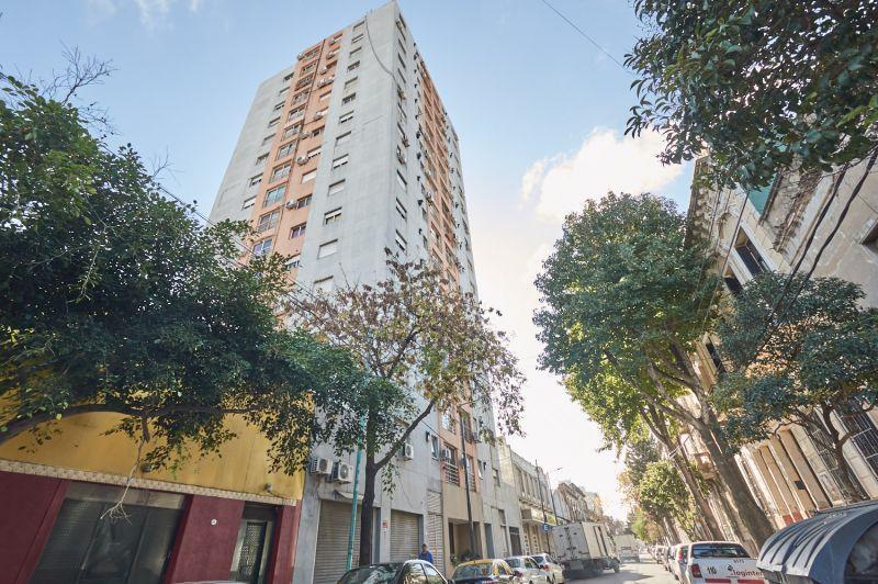 Foto Departamento en Venta en  Boca ,  Capital Federal  ARISTOBULO DEL VALLE 200