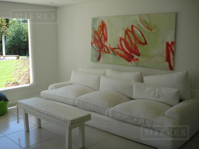Casa de 300 mts en  Tortugas C.C