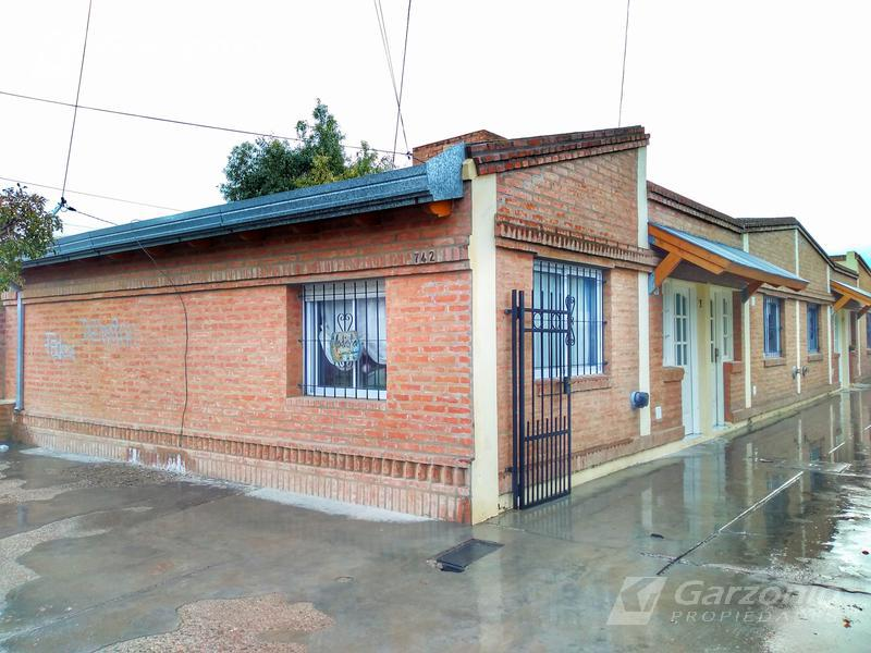 Foto Departamento en Alquiler en  Trelew ,  Chubut  Pecoraro al 700