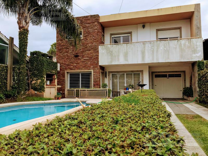 Foto Casa en Venta en  Castelar Sur,  Castelar  Guamini al 3400