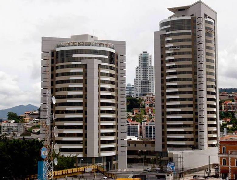 Foto Oficina en Renta en  Boulevard Suyapa,  Tegucigalpa  Local En Renta Metropolis   Boulevard Suyapa Tegucigalpa