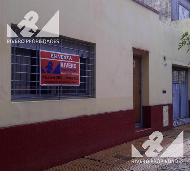 Foto Casa en Venta en  Castelar Norte,  Castelar  Rojas  1700