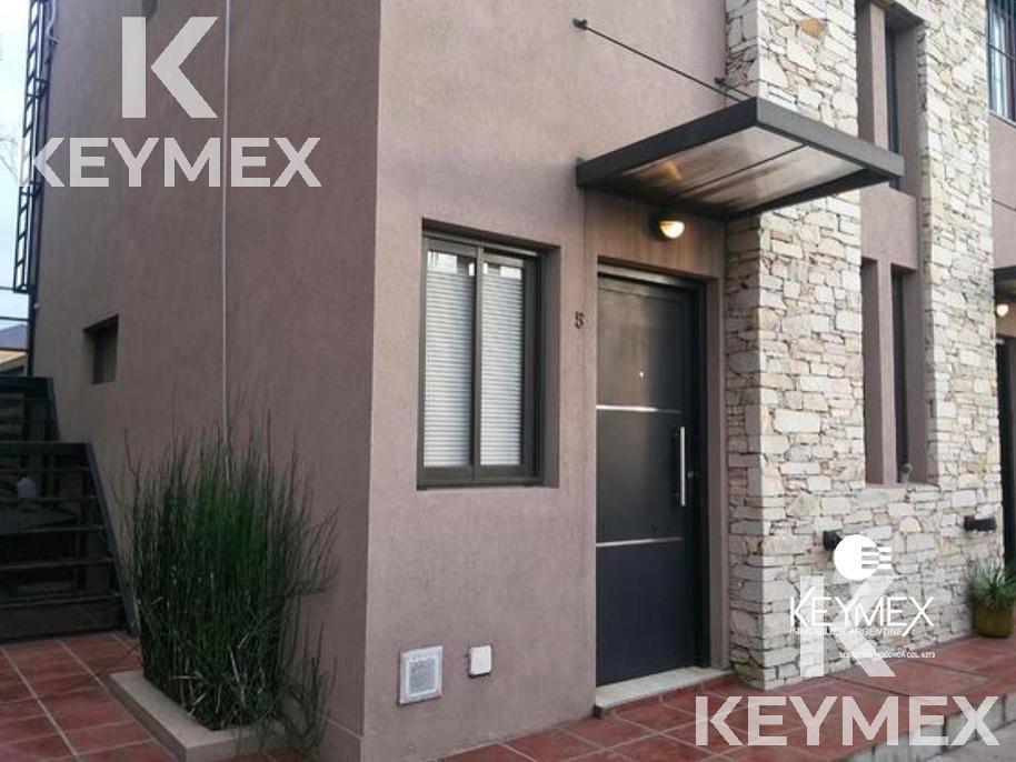 Foto Departamento en Venta en  Moreno ,  G.B.A. Zona Oeste  Duplex con patio y cochera -