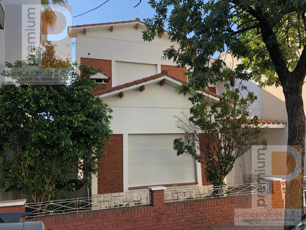 Foto Casa en Venta en  Catedral,  San Francisco  Pellegrini al 200