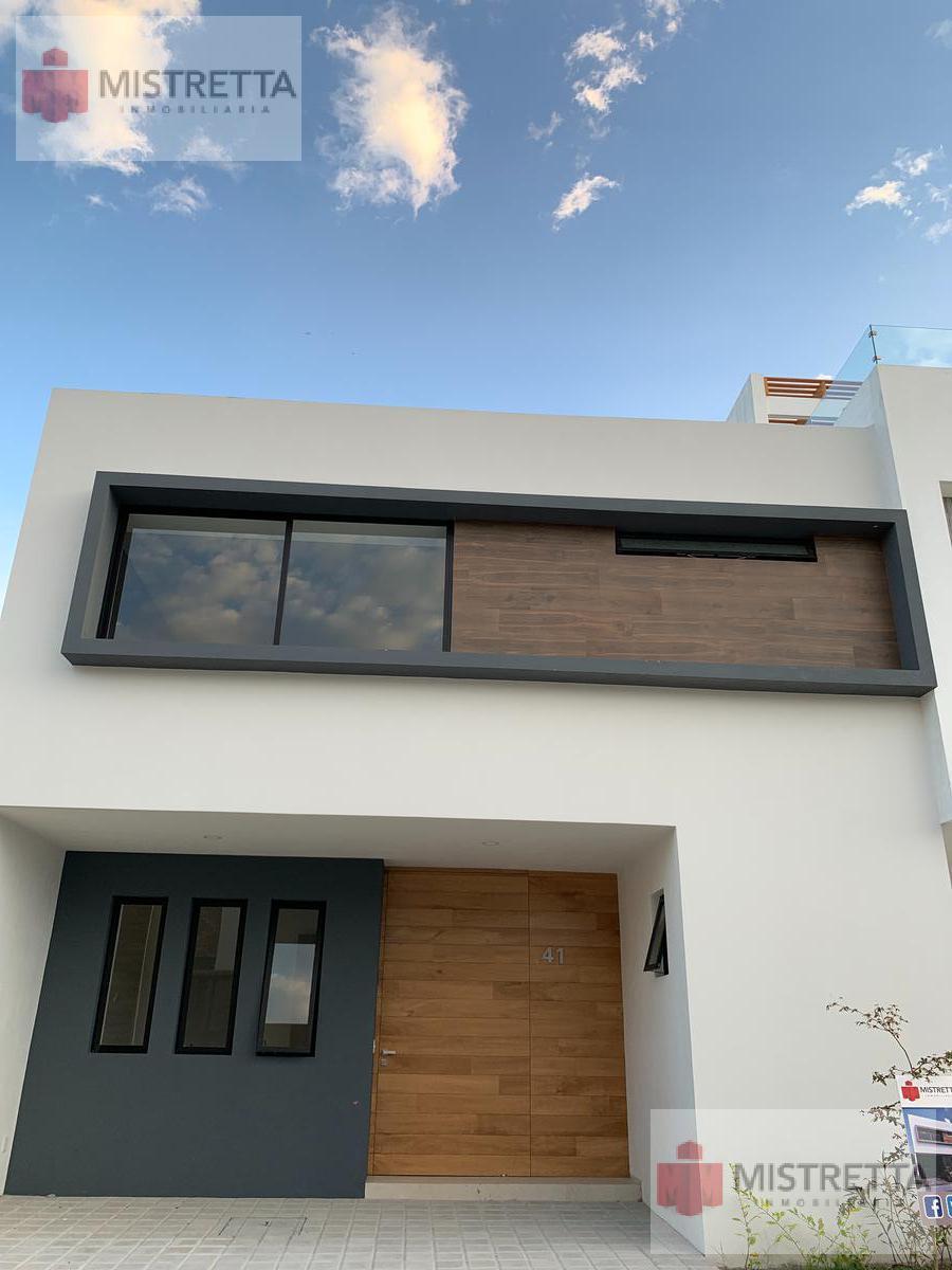 Foto Casa en Venta en  Ciudad Granja,  Zapopan   Paseos del Parque Parque Metropolitano Coto Yucas