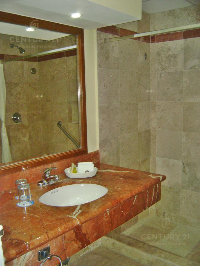 Zona Hotelera PH for Venta scene image 1