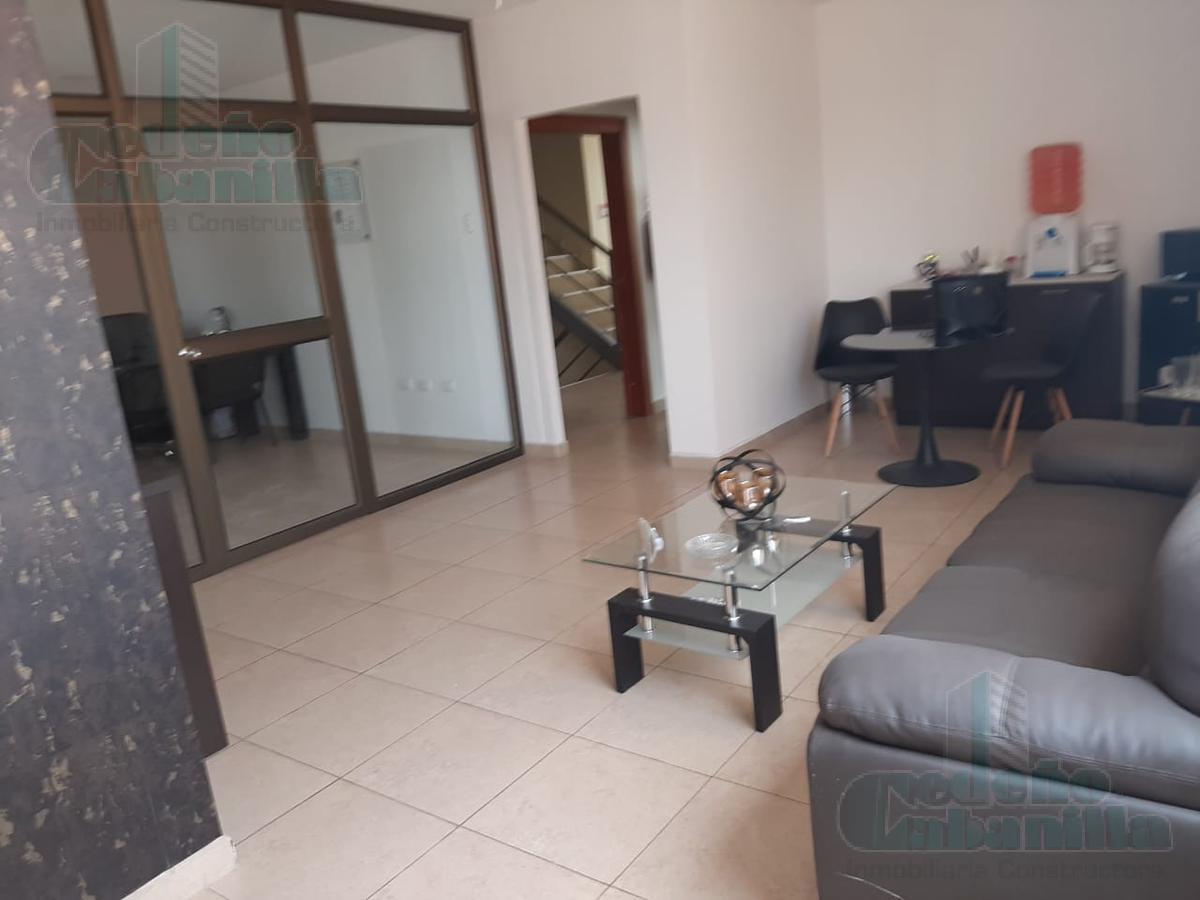 Foto Oficina en Alquiler en  Norte de Guayaquil,  Guayaquil  SE ALQUILA OFICINA CERCA DE CENTRO COMERCIAL SAN MARINO