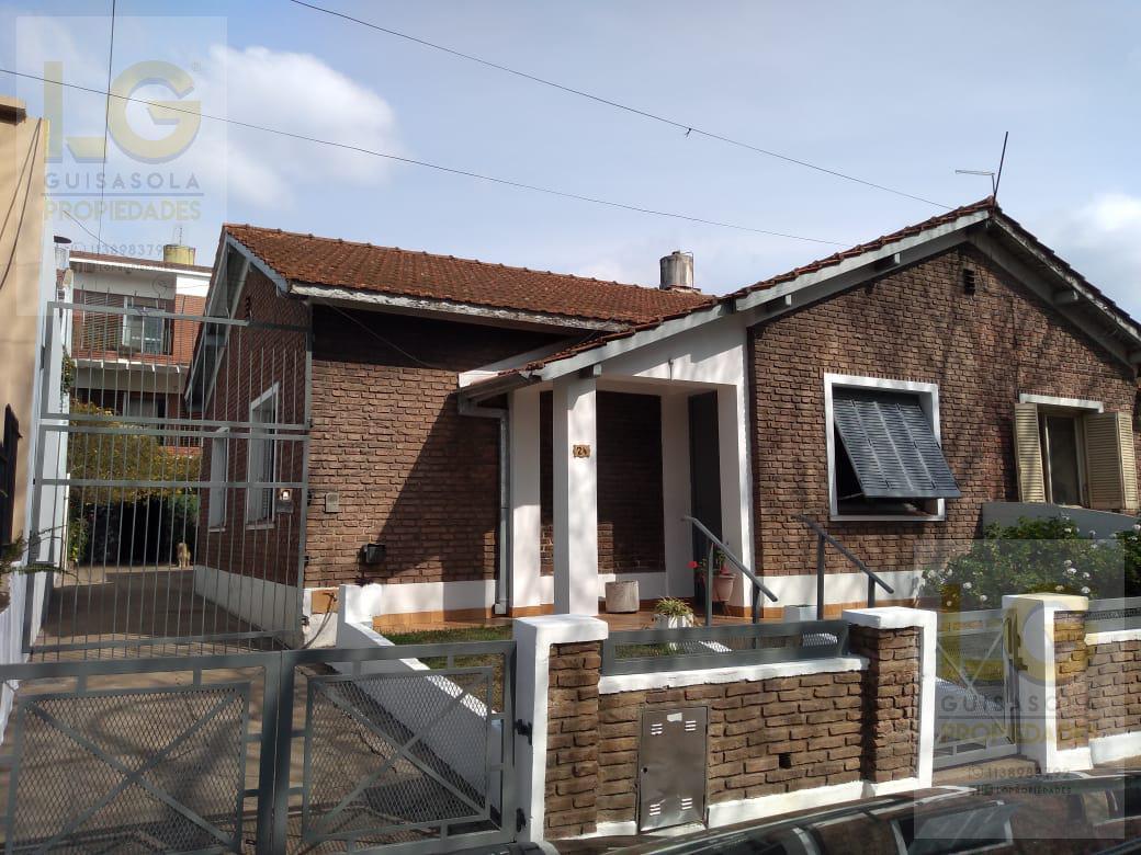 Foto Casa en Venta en  Florencio Varela,  Florencio Varela  Lavalle 100