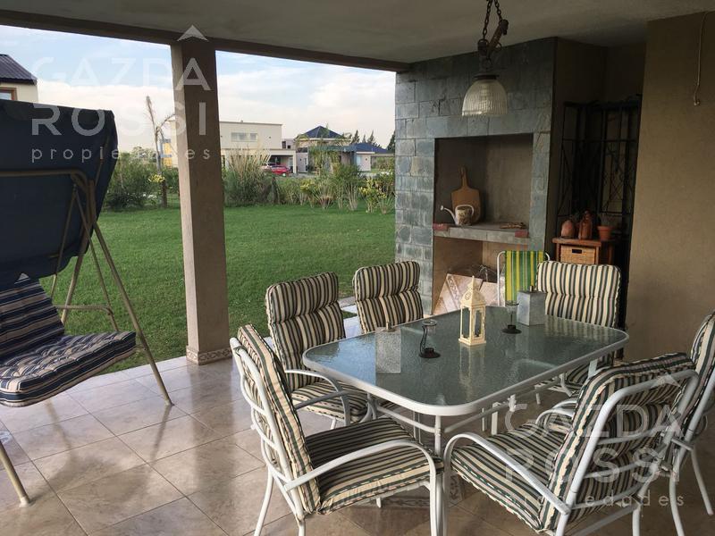 Foto Casa en Venta en  El Rebenque,  Canning  Ruta 58 km 11.5