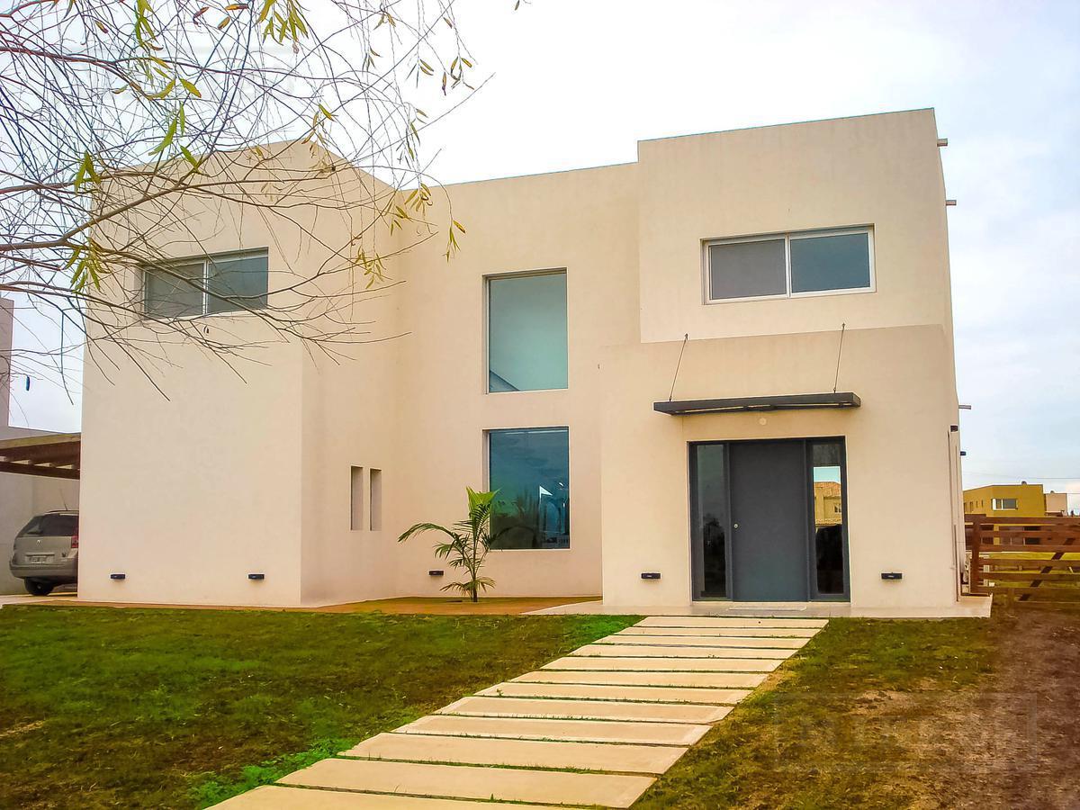 Casa en venta en San Benito a la LAGUNA, Villanueva