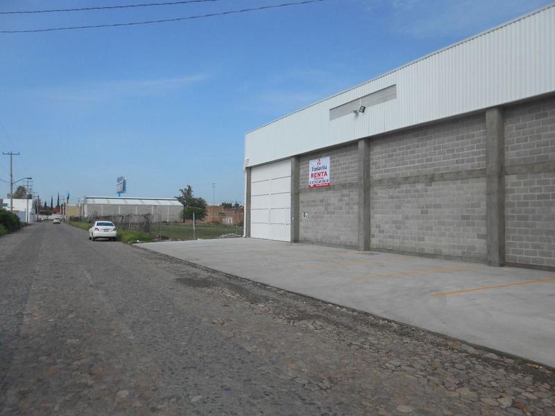 Foto Bodega Industrial en Renta en  Congregacion San Pedro de los Hernandez,  León  BODEGA SEMINUEVA!! EN RENTA EN LA LUZ