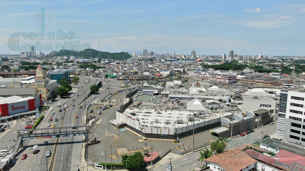 Foto Local Comercial en Venta en  Norte de Guayaquil,  Guayaquil  VENTA DE LOCAL EN CENTRO COMERCIAL