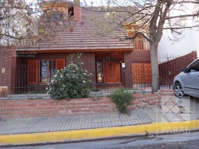 Foto Casa en Venta en  Área Centro Oeste,  Capital  Sargento Cabral 825 - María Auxiliadora