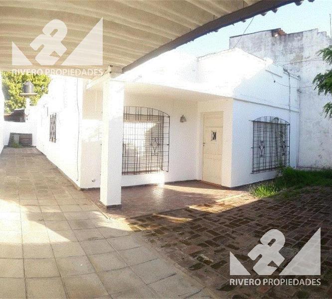 Foto Casa en Venta en  B.San Jose,  Moron  Anunciacion  3300