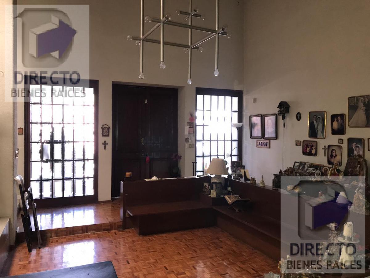 Foto Casa en Venta en  Cumbres 3er Sector,  Monterrey  COLONIA CUMBRES 3ER SECTOR CASA DE UN PISO TERRENO GRANDE Paseo de los Estudiantes
