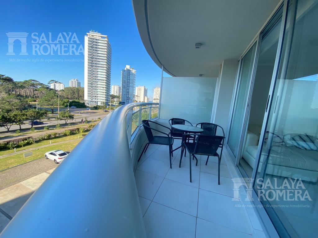 Foto Departamento en Alquiler en  Playa Brava,  Punta del Este  Venta: 2 dormitorios mas servicios de lux. Playa Brava- Punta del Este