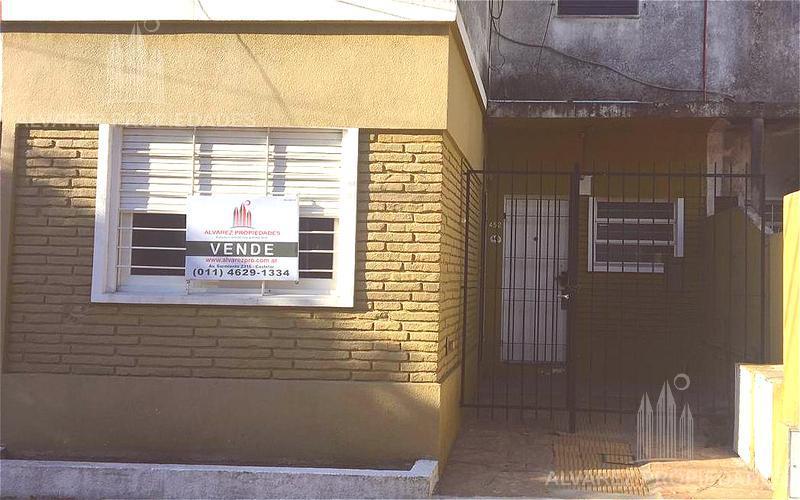 Foto PH en Venta en  Moron ,  G.B.A. Zona Oeste  Saavedra al 400