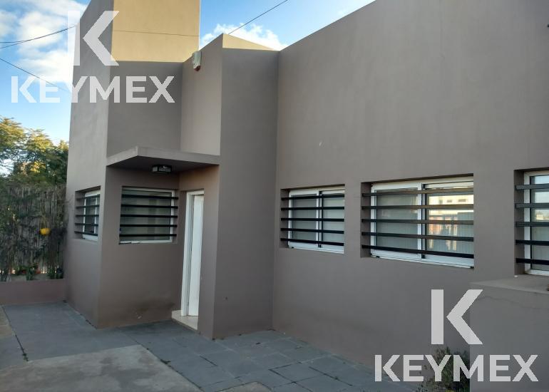 Foto Casa en Venta en  La Plata ,  G.B.A. Zona Sur  Casa 488 entre 10 y 11